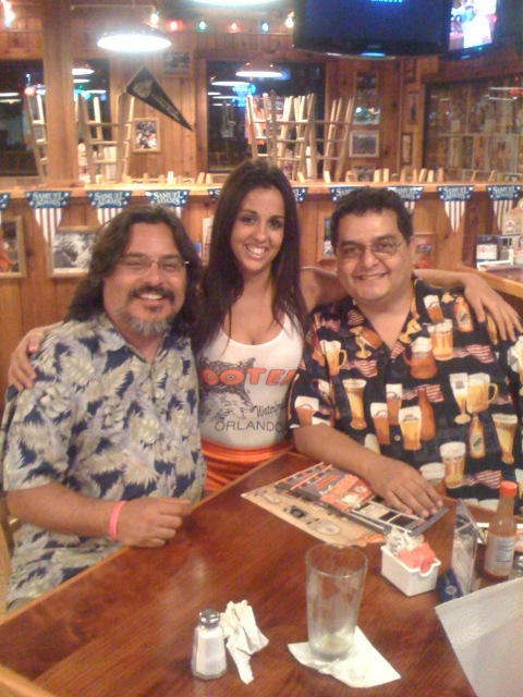 2008-06-18_hooters-with-matt