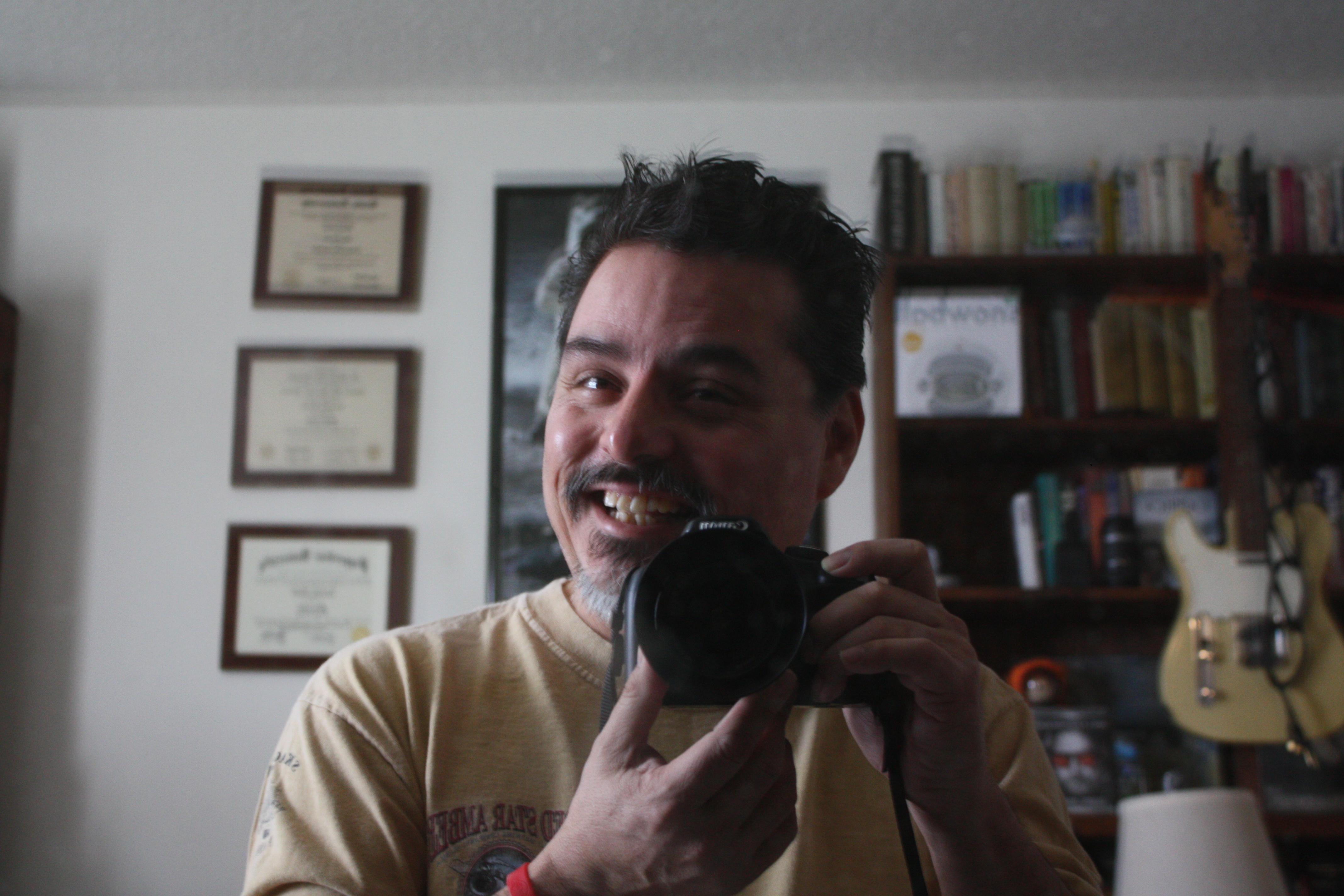 2011-02-18_Beware-of-joe-and-his-camera