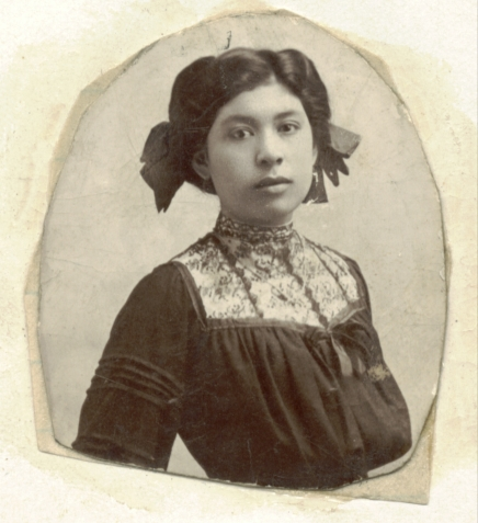 """1910s a young """"Momma Tonia"""" (from matt bustillos' collection)"""