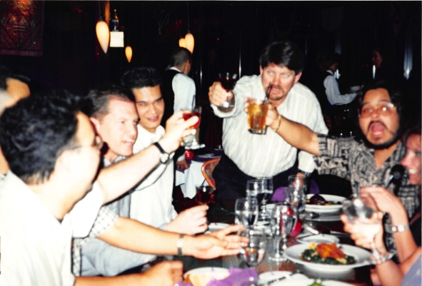 1998-07 Vegas - voodoo cafe - cheers