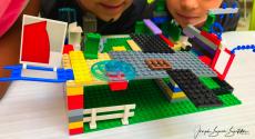 2018-09-17_STEAMLab_wk06 LEGO-neighborhoods_01