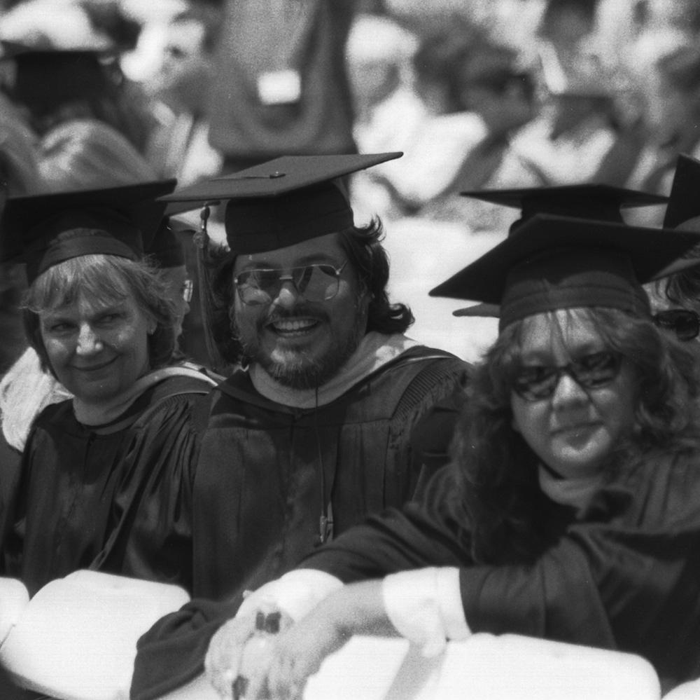 2002-04-20 Pepperdine OMAET graduation by Matt Bustillos