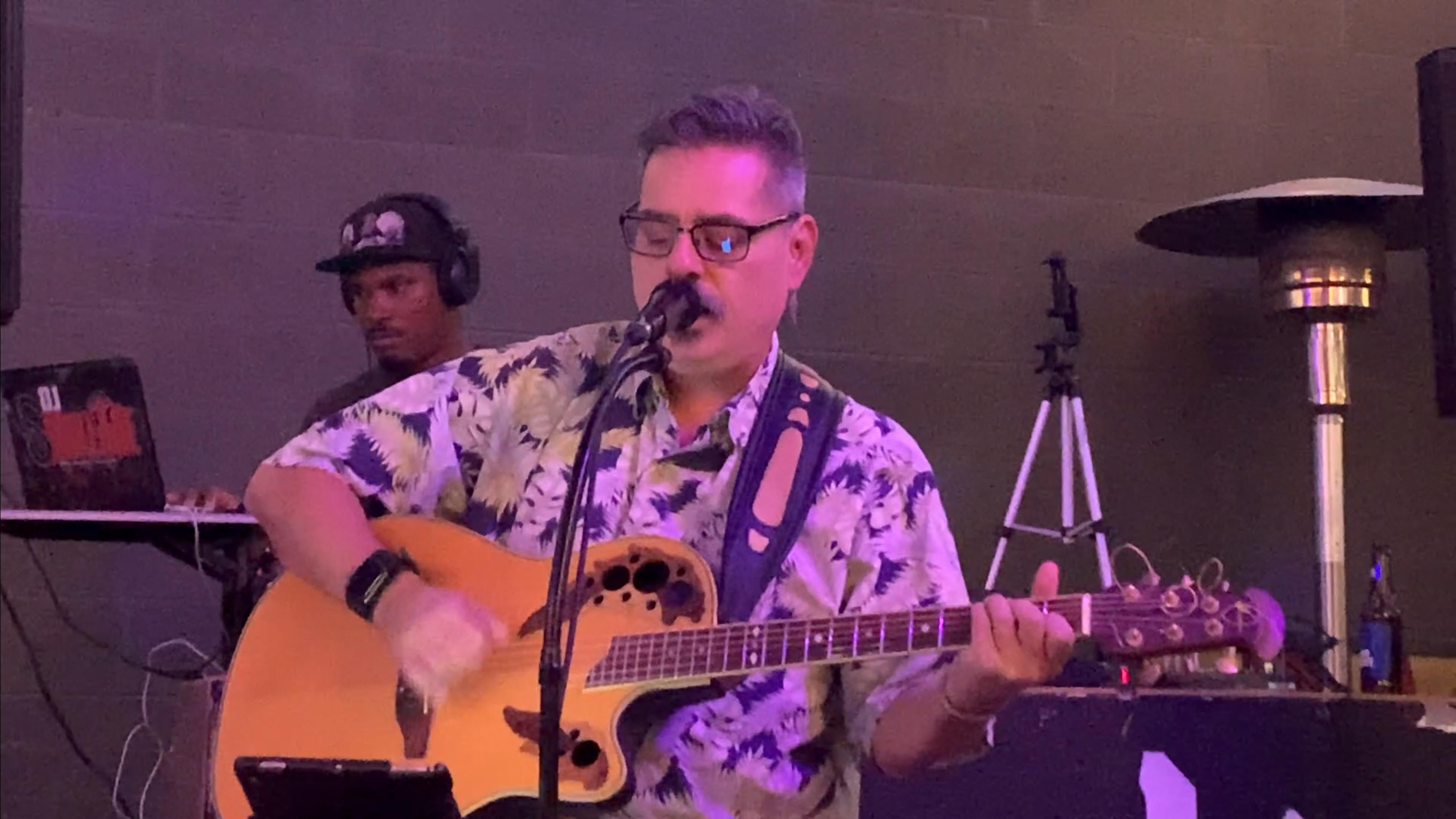 2019-07-08 joe bustillos at ninja karaoke open mic