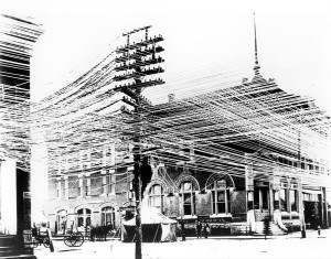 1920 street telephony wires