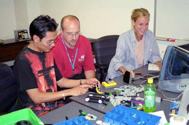 2001-07-29_VirtCamp-lego-logo-part2-1