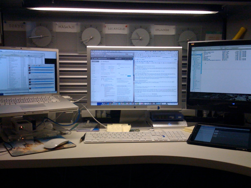 2010-05-12 Work space iPad-ified