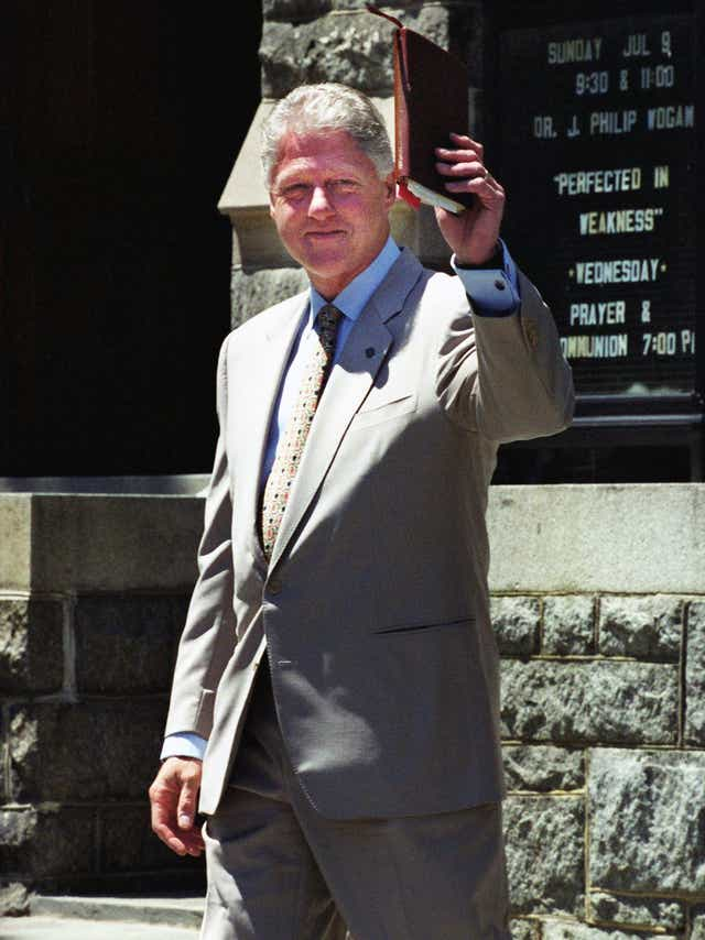 bill-clinton-bible_USAtoday-4e8e0e95-ba9b-438a-96bc-8b0f103f3ab6-GettyImages-1189425938