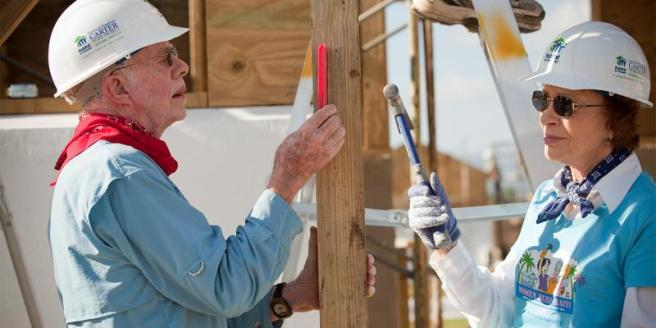 jimmy-carter-rosalynn-building-habitat