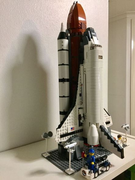 p2-ef-space-shuttle-lego-10231-2