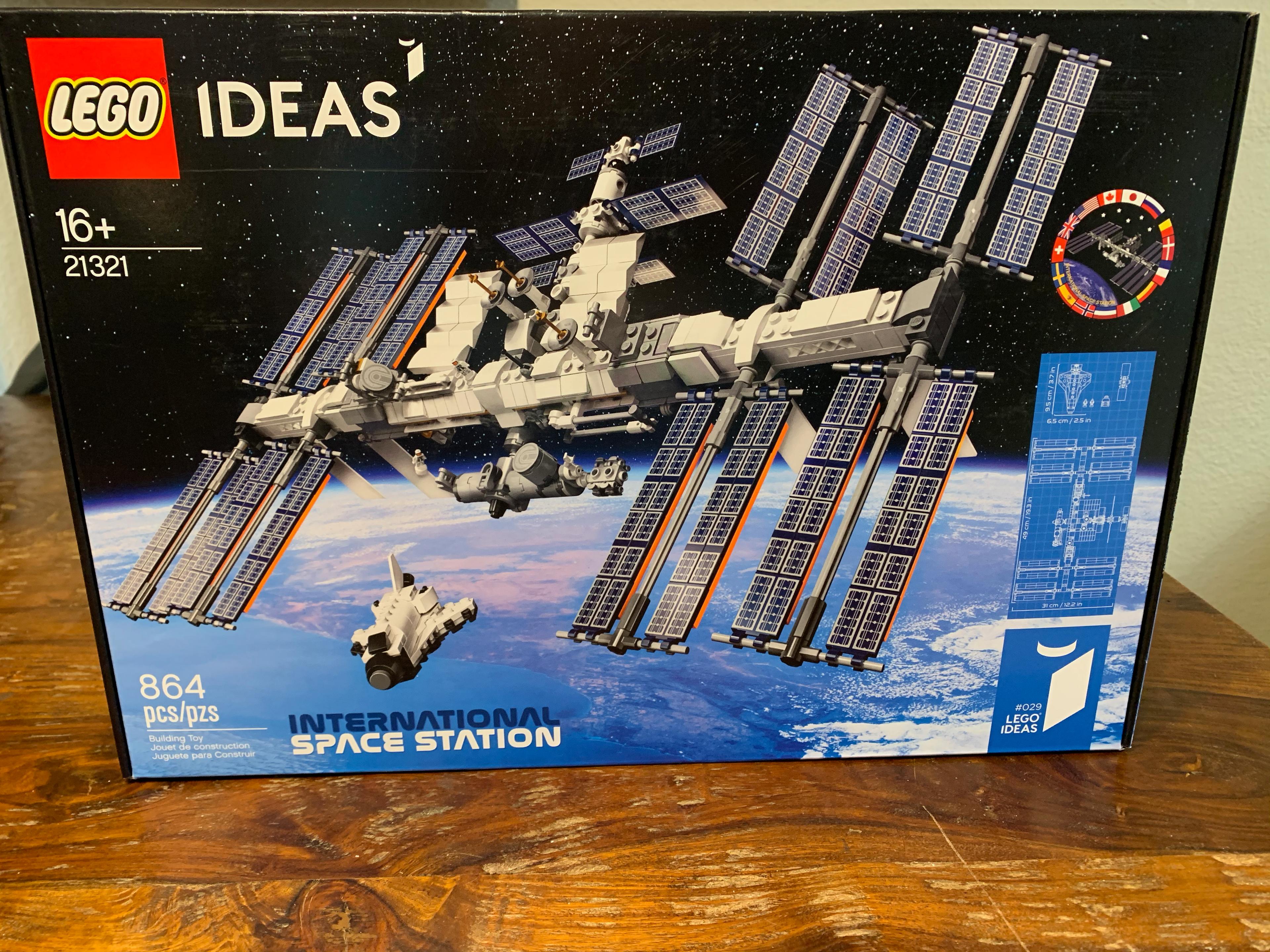 LEGO 21321 International Space Station-1