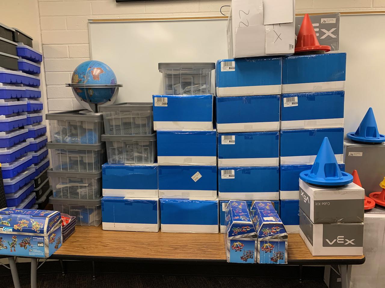Stacks of VEX IQs - 2021-06-25 Lab Prep - Day9 -08